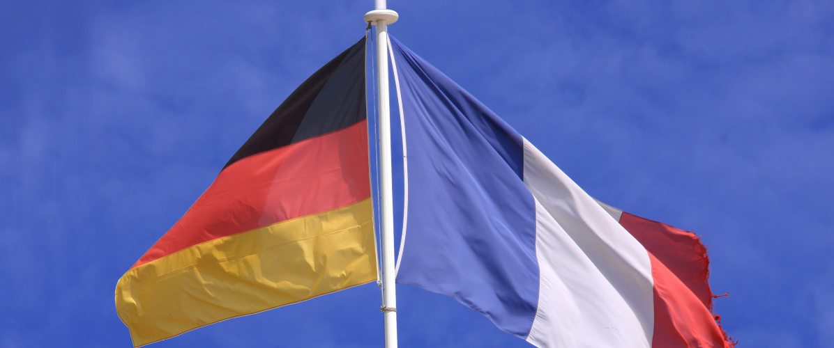 Drapeaux, franco-allemand / Crédit photo : Wikimédia Commons / Cobber17, Jpbazard